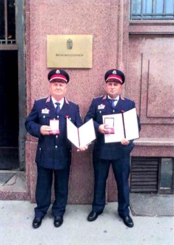 Miniszteri Bátorságért Érdemjel tűzoltó elismerés